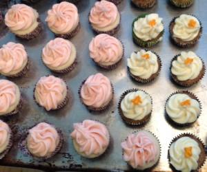 12 cupcakes decor